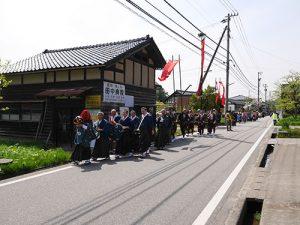 160423i6二上射水神社春季例大祭 築山神事