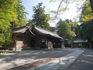 雄山神社前立社壇