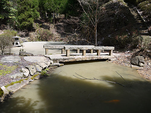 岩間寺 蓮池